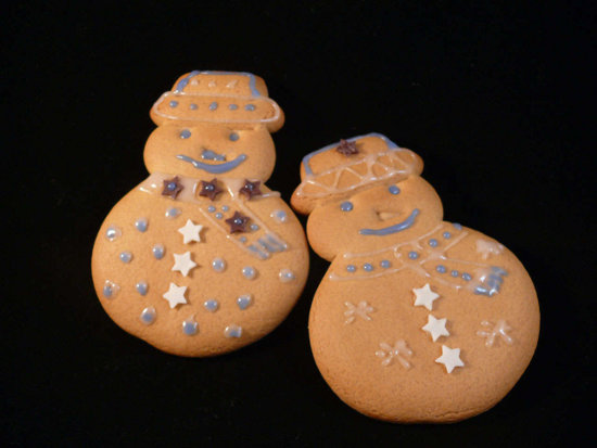 Click to get the codes for this image. Ginger Bread Men, Holidays  Christmas Background, wallpaper or texture for Blogger, Wordpress, or any phone, desktop or blog.